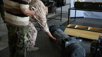 Photo prise le 29 juin 2019 d'un missile Javelin trouvé à Gharyan, dans l'ouest de la Libye [- / AFP/Archives]