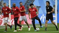 Mohamed Salah et les Egyptiens se préparent pour leur 2e match du Mondial russe, lors d'un entraînement à Saint-Pétersbourg, le 18 juin 2018 [CHRISTOPHE SIMON / AFP]