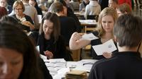 Dépouillement des votes anticipés pour l'élection présidentielle finlandaise à Helsinki, le 28 janvier 2018 [Heikki Saukkomaa / Lehtikuva/AFP]