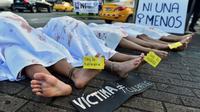 Manifestation à la mémoire des victimes de féminicides à Panama, le 25 novembre 2019 [Luis ACOSTA / AFP]