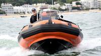 Les agents de la préfecture maritime mènent une opération de sensibilisation sur le bassin d'Arcachon, le 1er août 2018 [MEHDI FEDOUACH / AFP]