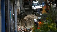 Les secouristes dégagent les décombres des immeubles effondrés à Marseille, le 6 novembre  2018  [CHRISTOPHE SIMON / AFP]