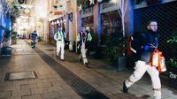 Les secours courent le lieux de la fusillade  à proximité du marché de Noël de Strasbourg, le 11 décembre 2018 [Abdesslam MIRDASS / AFP]