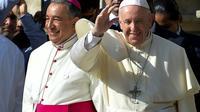 Le pape François salue les pélerins lors des Journées mondiales de la jeunesse à Panama le 26 janvier 2019 [Marvin RECINOS / AFP]