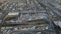 Une queue de camions venus du Mexique arrivent aux douanes américaines, en Californie (photo Getty images) [JOHN MOORE / GETTY IMAGES NORTH AMERICA/AFP/Archives]