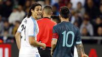 Cavani aurait lancé à Messi : «Viens te battre», ce à quoi Messi lui aurait répondu : «Quand tu veux».