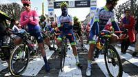 Les coureurs avant le départ de la 117e édition de Paris-Roubaix à Compiègne, le 14 avril 2019 [Anne-Christine POUJOULAT             / AFP]