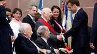 L'ancien secrétaire de Jean Moulin, le Compagnon de la Libération Daniel Cordier a été élevé au grade de Grand-Croix, le plus élevé de la Légion d'honneur par Emmanuel Macron, au Mont Valérien à Suresnes le 18 juin 2018 [CHARLES PLATIAU / POOL/AFP]