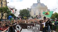 Des sympathisants d'extrême gauche défilent le 2 juin 2018 à Paris en hommage à Clément Méric  [JACQUES DEMARTHON / AFP]