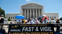 Manifestation traditionnelle devant la Cour suprême des Etats-Unis, à Washington, le 29 juin 2013 [Nicholas Kamm / AFP/Archives]