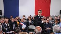 Emmanuel Macron s'exprime lors de la dernière réunion publique prévue dans le cadre de son «Grand débat national», le 4 avril 2019, à Cozzano, en Corse.