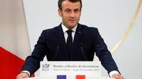Emmanuel Macron a condamné lundi soir «le nihilisme de la violence» de ceux qui selon lui «ont perverti» le mouvement des «gilets jaunes».