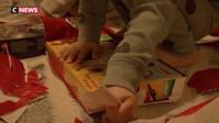 Le petit garçon a composé mardi le numéro d'appel d'urgence de la police et a expliqué qu'il n'avait pas du tout reçu les cadeaux qu'il avait commandés pour Noël.