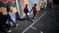 Un quart des écoles parisiennes dépasse les seuils légaux de concentration en dioxyde d'azote, selon une étude.