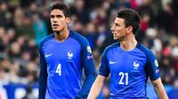 Raphaël Varane et Laurent Koscielny pourraient être associés en défense centrale.