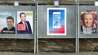 A chaque fois qu'il passe devant l'affiche de campagne d'un candidat, l'électeur peut faire apparaître une nouvelle information via son smartphone.