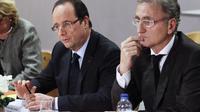 François Hollande (g) et Le sénateur PS André Vallini à Grenoble le 23 janvier 2013 [Robert Pratta / Pool/AFP/Archives]