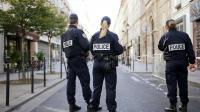 Des policiers français devant la synagogue Nazareth à Paris le 7 octobre 2012 [Lionel Bonaventure / AFP/Archives]