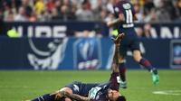 Daniel Alves, blessé lors de la finale de Coupe de France entre Paris et Les Herbiers, le 8 mai 2018 au Stade de France [FRANCK FIFE / AFP]