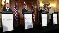 Le secrétaire à la Défense Jim Mattis, le secrétaire d'Etat américain Rex Tillerson, la Première ministre australienne Julie Bishop et la ministre australienne de la Défense Marise Payne après des consultations à Sydney le 5 juin 2017 [WILLIAM WEST / AFP]