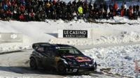 La Volkswagen Polo pilotée par Sébastien Ogier lors de l'ES10 du Rallye Monte-Carlo, le 23 janvier 2016 à Saint-Léger-les-Mélèzes dans les Hautes-Alpes [JEAN PIERRE CLATOT / AFP]