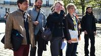 Des membres d'une délégation d'occupants de la ZAD de Notre-Dame-des-Landes arrivent pour une réunion avec la préfète des Pays de la Loire et le ministre de la Transition écologique le 18 avril 2018 à Nantes [JEAN-FRANCOIS MONIER              / AFP/Archives]