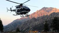 Selon la préfecture, trois hélicoptères ont été déployés: les Dragons 2A et 2B de la sécurité civile ainsi que l'hélicoptère de la gendarmerie [PASCAL POCHARD CASABIANCA / AFP/Archives]