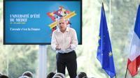 """Pierre Gattaz rêve d'une France """"confiante"""" et """"influente"""", dans un discours à l'université d'été du Medef, le 29 août 2017 à Jouy-en-Josas [ERIC PIERMONT / AFP]"""