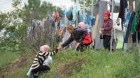 Camps de migrants et de réfugiés près du village d'Idomeni à la frontière gréco-macédonienne, le 4 mai 2016 [TOBIAS SCHWARZ / AFP]
