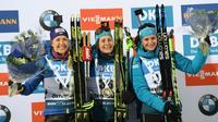 Justine Braisaz, vainqueur de l'individuel d'Ostersund, entourée sur le podium de Yuliia Dzhima, 2e, et de Julia Simon, 3e, le 5 décembre 2019 à Ostersund, en Sudède [Fredrik SANDBERG / TT NEWS AGENCY/AFP]