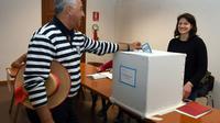 Un gondolier vote à Venise, le 22 octobre 2017  [ANDREA PATTARO / AFP]