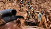 Des ouvriers travaillent dans une mine d'or à Chudja, dans le nord-est du Congo, le 23 février 2009 [LIONEL HEALING / AFP/Archives]
