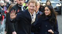 Le Prince Harry et sa fiancée l'actrice américaine Meghan Markle, le 1er décembre 2017 à Nottingham en Angleterre [Oli SCARFF                           / AFP]