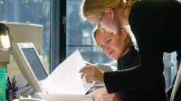Les salariés français à plein temps travaillent 1 661 heures par an. [JOHANNES EISELE / AFP]