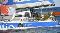 """Le skipper Kito de Pavant à la barre du """"Bastide Ostio"""" avant le départ du Vendée Globe, le 6 novembre 2016 aux Sables d'Olonne    [LOIC VENANCE / AFP/Archives]"""