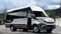 Trois minibus seront expérimentés jusqu'à l'été.