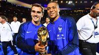 Antoine Griezmann et Kylian Mbappé ont été champions du monde avec les Bleus l'été dernier en Russie.
