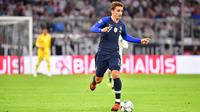 Battus aux Pays-Bas, Antoine Griezmann et les Bleus vont tenter de se rattraper contre l'Uruguay pour bien terminer l'année.