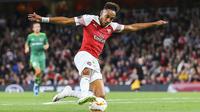 Arsenal et Pierre-Emerick Aubameyang se déplacent sur la pelouse du BATE Borisov.