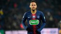 Neymar devrait manquer une quinzaine de matchs avant son retour attendu en avril.
