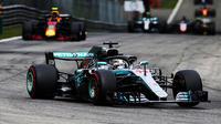 Grâce à sa victoire, Lewis Hamilton a accentué son avance en tête du classement des pilotes.