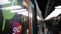 En pleine grève, une femme a accouché ce mercredi dans la gare de Villeneuve-Saint-Georges, dans le RER D.