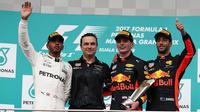 Max Verstappen a remporté le 2e Grand Prix de sa carrière devant Lewis Hamilton, qui a réalisé une bonne opération au classement.