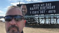 Chris fêtera ses 62 ans, ce samedi 16 mars.