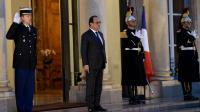 Le président François Hollande sur le perron de l'Élysée, vendredi 20 novembre 2015