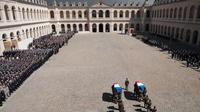 Gravité et sublime de la cérémonie en l'honneur des deux héros, les premiers maîtres Cédric de Pierrepont et Alain Bertoncello.