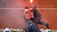 """Un militant des """"Hommen"""" intercepté dimanche sur le court Philippe Chatrier de Roland-Garros"""