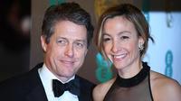 Hugh Grant est en couple depuis six ans avec Anna Eberstein.