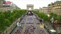 «OSS 117» sur les Champs-Elysées : 2.000 spectateurs conquis