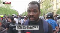 Les livreurs Deliveroo protestent contre une baisse de leurs revenus